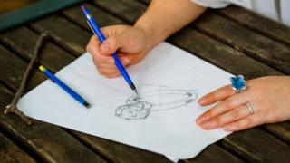 手描きジュエリースケッチ鉛筆画